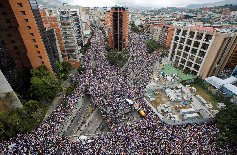 Противники Николаса Мадуро в Каракасе, 23 января 2019 г.