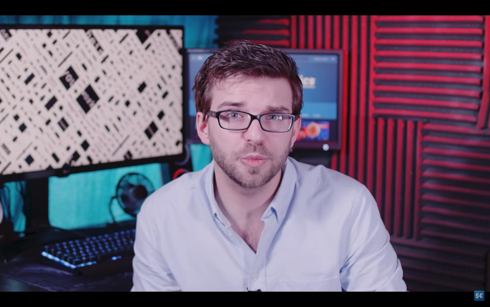 Arnaud, le visage et la voix de la chaîne « Stupid Economics ».