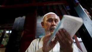 Списки иностранных имамов, которые приезжают во Францию, проходят контроль французского МИД иМВД