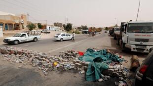 En 2017, les manifestants ont bloqué une route dans la région de Tataouine, obtenant des promesses d'embauches. Des emplois toujours attendus en 2020.