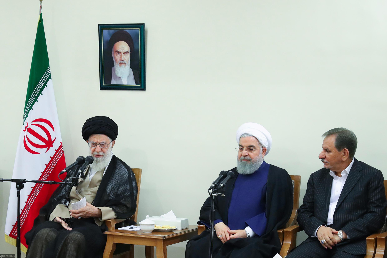 دیدار خامنهای با حسن روحانی و اعضای هیأت دولت ایران