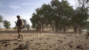 Wasu sojojin Faransa yayin sintiri a dajin Tofa Gala dake arewacin kasar Burkina Faso a yankin Sahel.