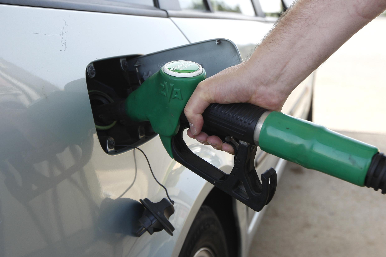 Le spectre d'une pénurie d'essence pousse certains automobilistes à se ruer sur les stations-service.