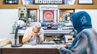 Wahadallah 83 ans, tient cette horlogerie depuis la mort de son père en 1952.