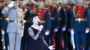 Мирей Матье  на фестивале «Спасские ворота» в Москве, 1 сентября 2012 года