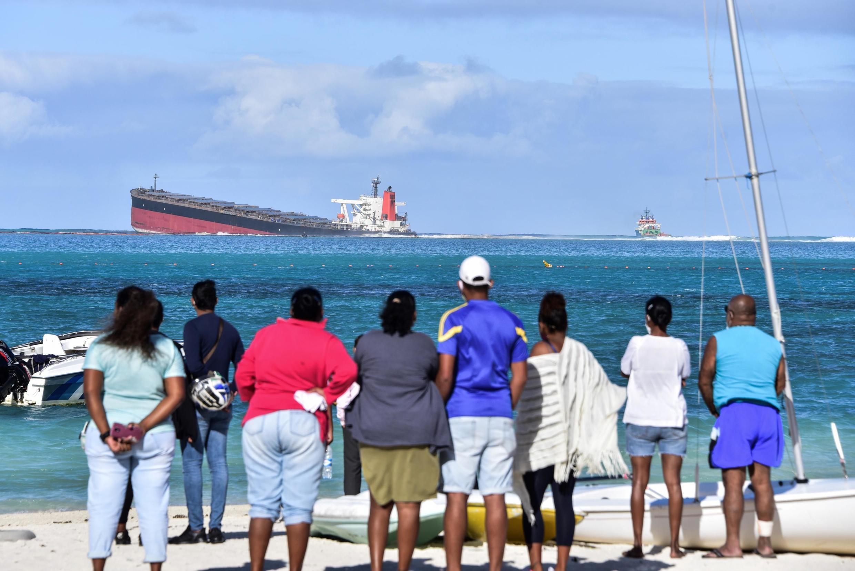 Разлив нефти может грозить не только экологической, но и экономической катастрофой для Маврикия