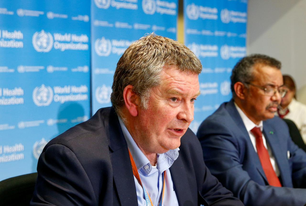 Mike Ryan (l), WHO's emergencies director and Director-General Tedros Adhanom Ghebereyesus (r) in Geneva. 6/2/2020.