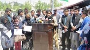 خان ولی عادل، فعال مدنی که برای دفاع از حقوق زنان در کابل تحصن کرده است