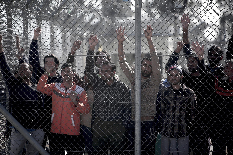 Des migrants dans un centre de détention pour immigrants sans-papiers à Athènes, en février 2015 (Image d'illustration).