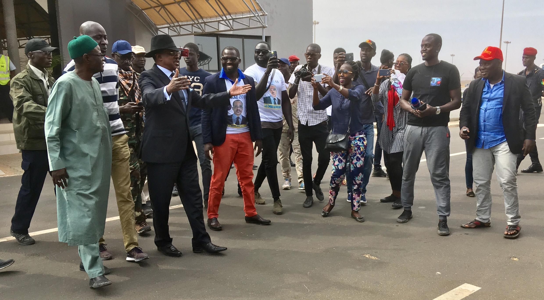 Madické Niang à son arrivée à l'aéroport Blaise Diagne de Dakar, ce dimanche 17 février 2019. Le candidat était en Italie pour un meeting.