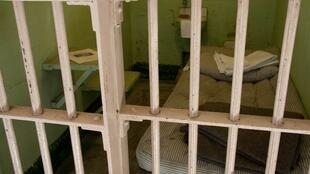 La Convención de Naciones Unidas sobre los Derechos del Niño prohíbe condenar a menores de edad a cadena perpetua sin condicional.