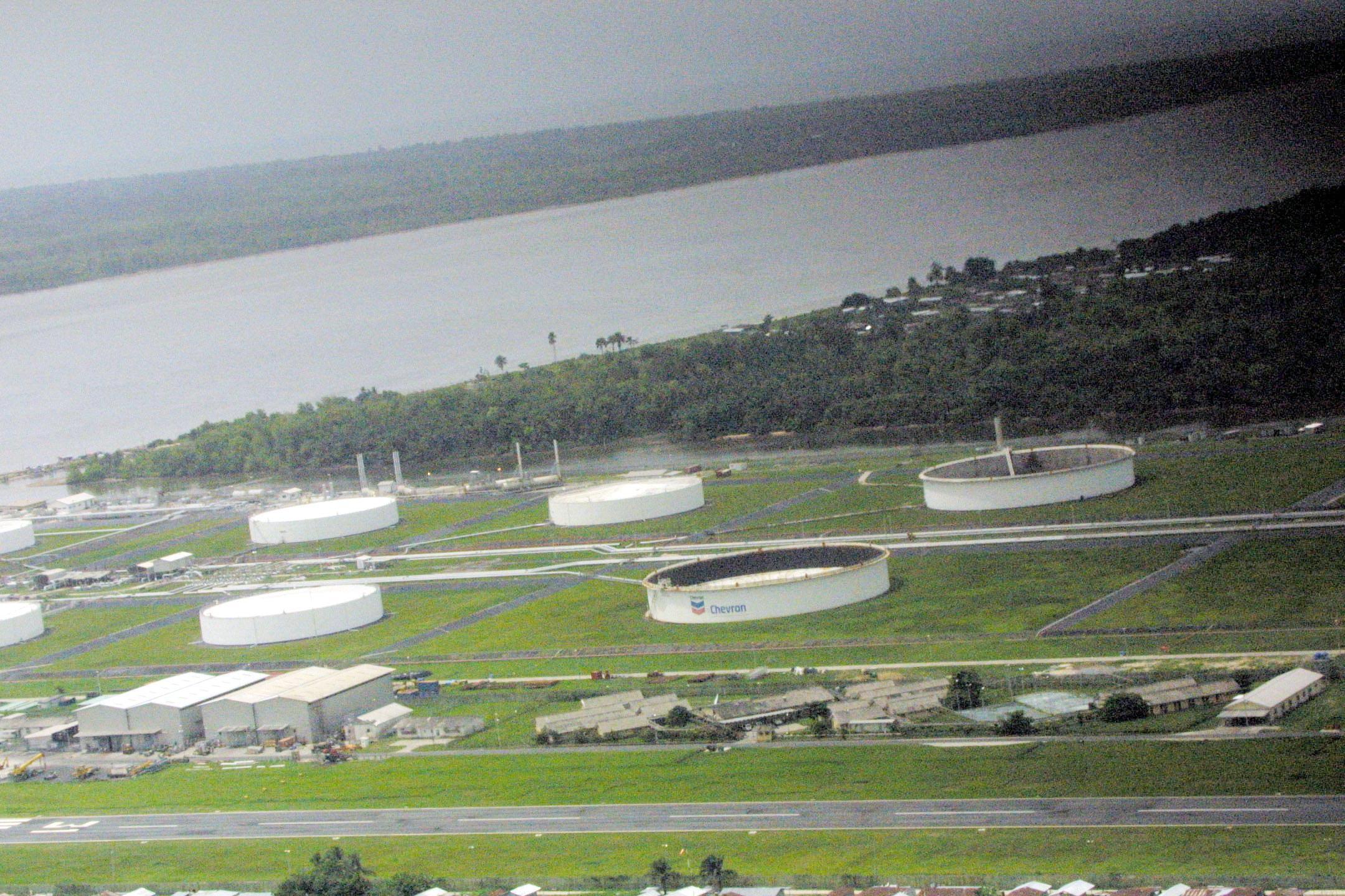 Les installations Chevron dans le delta du Niger.