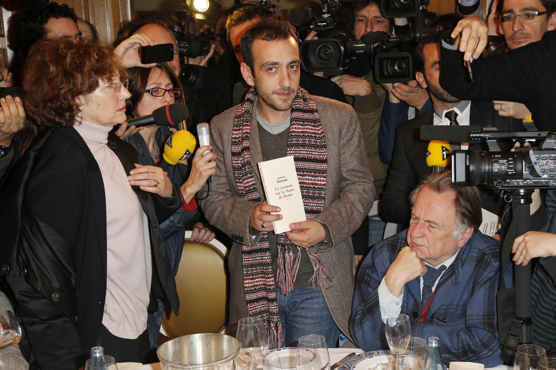 Jérôme Ferrari, vencedor do Goncourt, o prêmio literário mais renomado da França.