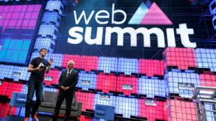Paddy Cosgrave (g), un des fundadeurs du Web Summit, et le Premeir ministre portugais Antonio Costa, lors de l'ouverture du  Sommet à Lisbonne.