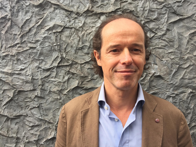 Stéphane Daure, psiquiatra e artista plástico.