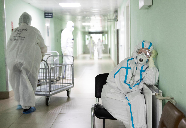 2020-05-27T161552Z_502676709_RC24XG9K5LL9_RTRMADP_3_HEALTH-CORONAVIRUS-RUSSIA-HOSPITAL