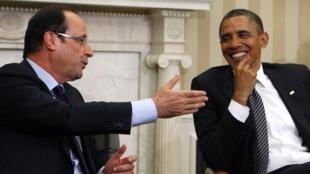 François Hollande é recebido por Barack Obama na Casa Branca, em Washington.