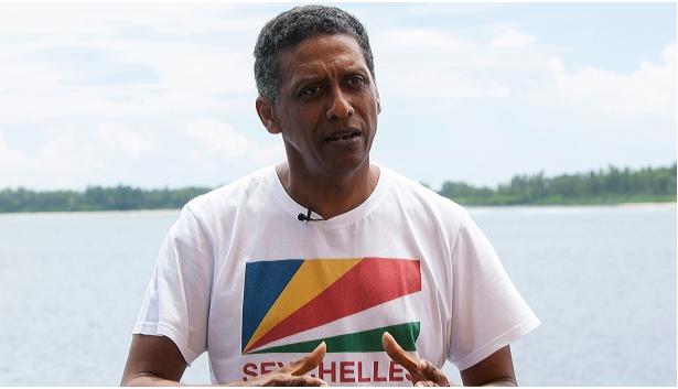 Shugaban Seychelles, Danny Faure jim kadan da fitowarsa daga karkashin tekun India