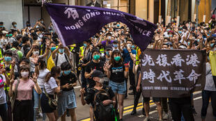 Una manifestación contra la nueva ley de seguridad nacional el 1 de julio de 2020 en Hong Kong