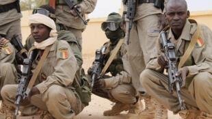 Des soldats tchadiens à l'aéroport de Gao, le 28 janvier 2013.