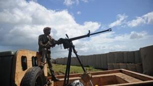 soldat somalie sanguuni miliaire