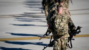 为预防不测,美军目前还在向伊拉克增兵。