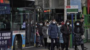 A China registrou um crescimento de 2,3% no ano passado apesar da epidemia