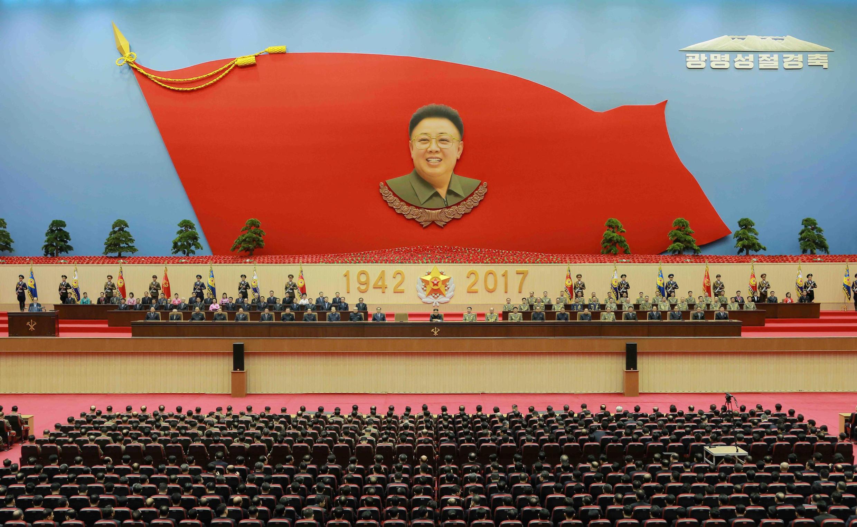 圖為朝鮮官方在平壤太陽宮隆重紀念前一號領導人金正日冥誕