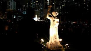 2018年6月4日在香港維多利亞公園舉行悼念六四燭光晚會