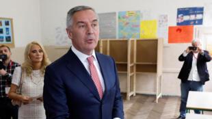«Je vais gagner aujourd'hui», a dit le candidat Milo Djukanovic, après avoir voté au premier tour de la présidentielle, ce dimanche 15 avril, Podgorica.