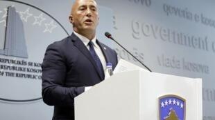 Le Premier ministre kosovar Ramush Haradinaj annonce, lors d'une conférence de presse à Pristina, sa démission, le 19 juillet 2019.