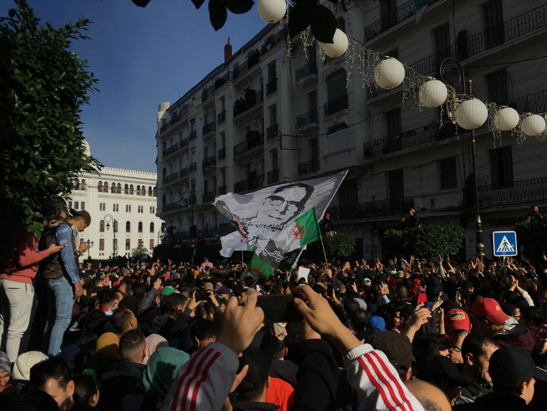 Manifestation contre la présidentielle aux abords de la Grande Poste d'Alger, le 12 décembre 2019.