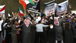 Manifestation de Bidounes à Soulaibiya, à 25 kilomètres au sud-ouest de la capitale, Koweït City, le 19 février 2011.