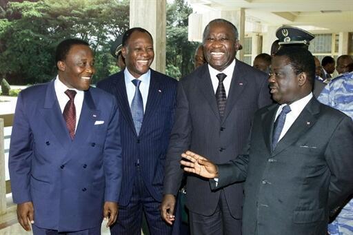 De gauche à droite : Robert Gueï, Alassane Ouattara, Laurent Gbagbo et Henri Konan Bédié à Yamoussoukro le 22 janvier 2002.