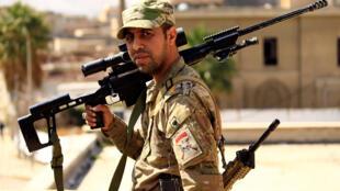 Un francotirador del ejército iraquí en Mosul, el 7 de marzo de 2017.