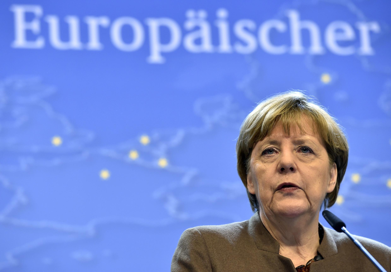 La canciller alemana A. Merkel en una conferencia de prensa en la Unión Europea, Bruselas, 18 de diciembre de 2015.
