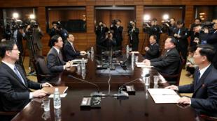 韓朝高官敲定峰會在4月27日舉行2018年3月29日板門店