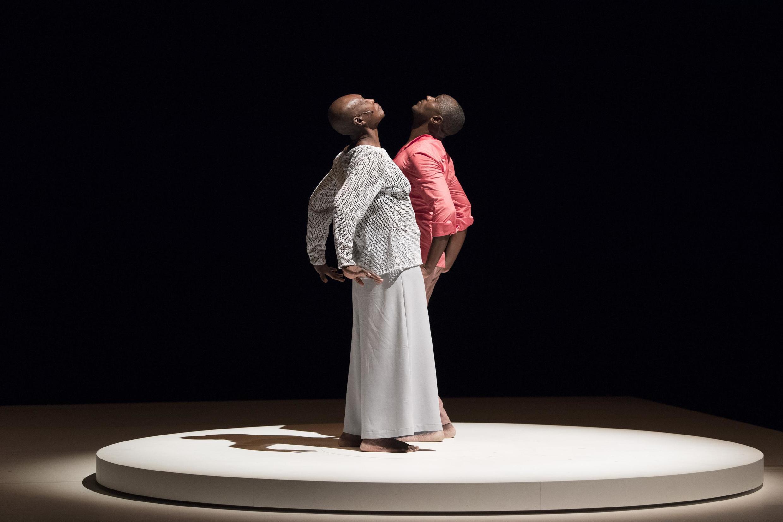 La création Multiple-s de Salia Sanou présentée au Festival d'Avignon.