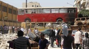 Les habitants d'Alep font leurs emplettes au premier jour du ramadan.