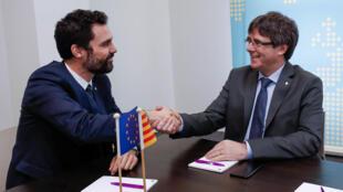 新加泰議會議長托倫德與普伊格德蒙特24日在布魯塞爾會面資料圖片