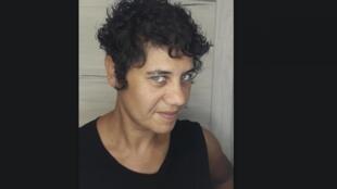 A paulistana Janaína Behling realiza um doutorado em Linguística do Português na Universidade de Coimbra.