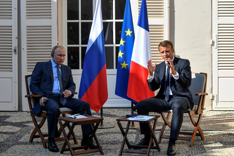 Shugaban Faransa Emmanuel Macron, yayin ganawa da takwaransa na Rasha Vladmir Putin a Biarritz dake Faransa.