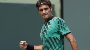 Le Suisse Roger Federer a battu l'Espagnol Rafael Nadal en finale du Masters 1000 de Miami 2017 (6-3, 6-4). Il devient n°4 mondial.