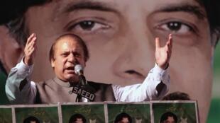 Nawaz Sharif, le 7 mai 2013 en meeting à Rawalpindi.
