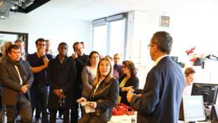 Marie-Christine Saragosse, pdg de France médias monde, et Yves Rocles, adjoint à la directrice de RFI en charge de l'Afrique, sont venus rendre compte à la rédaction de leur entretien avec François Hollande ce dimanche matin à l'Elysée.