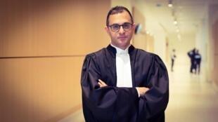 آرش درمبخش، وکیل دادگستری و عضو انجمن شهر «کوربووآ» واقع در غرب پاریس