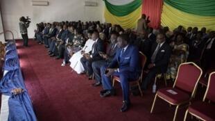 Des représentants du gouvernement centrafricain lors de la signature de l'accord de paix avec les 14 groupes armés en RCA. Le 6 février 2019 à Bangui.