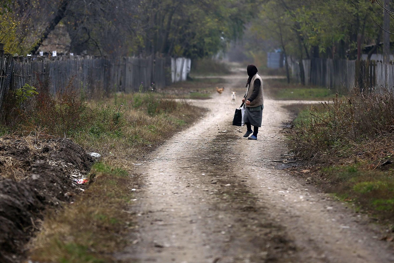 La crise économique a durement affecté la Roumanie. (Photo: village de Floroaica, au sud-est du pays).