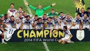 A Selecção alemã, campeã do Mundo, no Maracanã