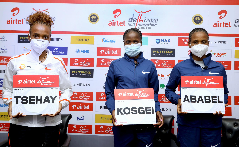 2020-11-28 sport athletics half marathon new delhi india Tsehay Gemechu ,Brigid Kosgei ,Ababel Yeshaneh